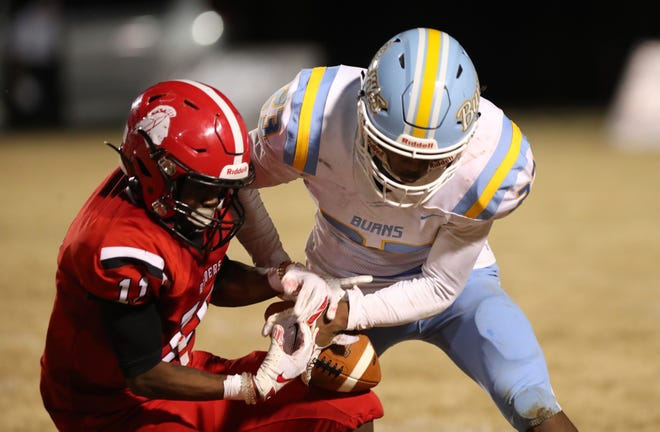 The South Point and Burns football teams played in Week 1 of the spring 2021 gridiron campaign.