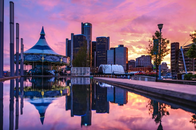 USA Today announced the Detroit Riverfront as the best river walk in the country, in the 10Best list.