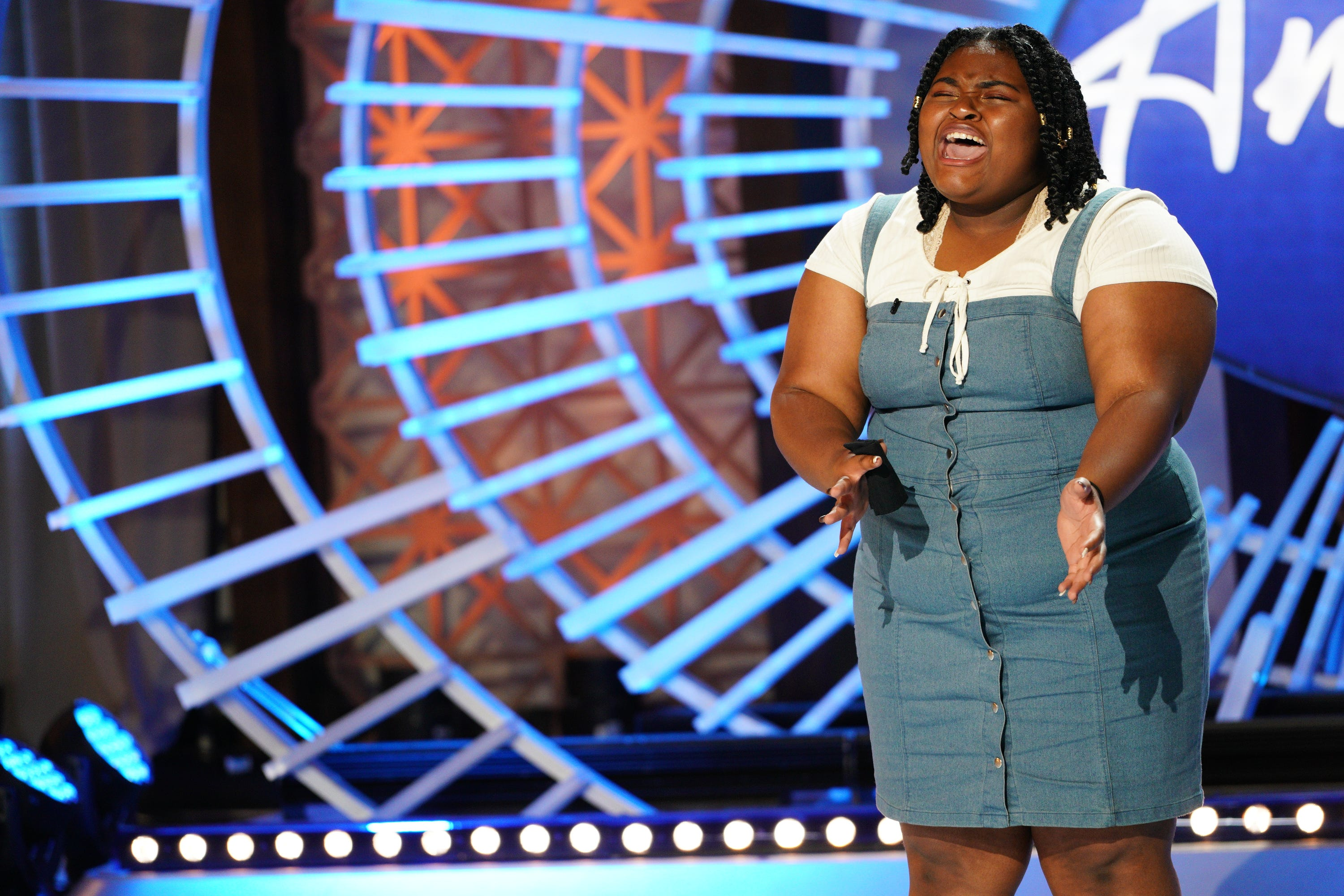 American Idol Milwaukee Native Ronda Felton Moves Lionel Richie To Tears With Her Audition