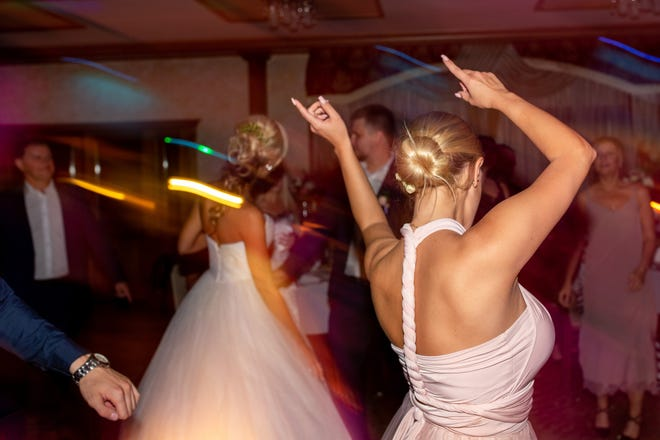 New York has clarified its rules around music and dancing at wedding receptions.