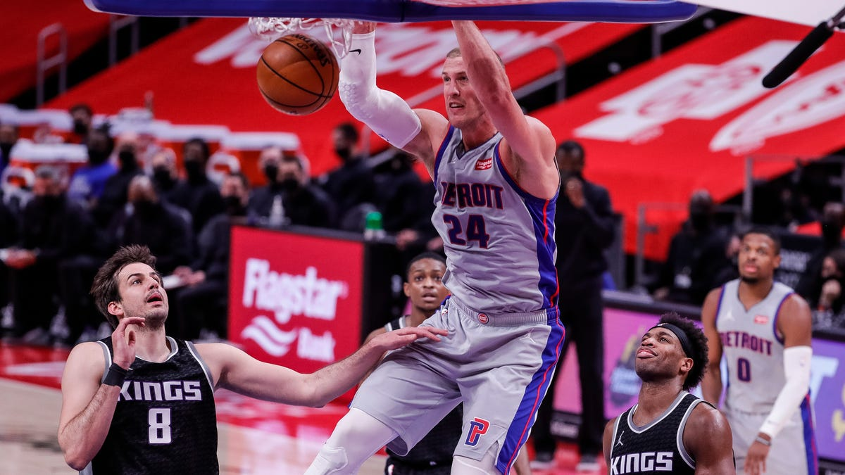 Sacramento Kings 110, Detroit Pistons 107: Best photos from Friday's game at LCA