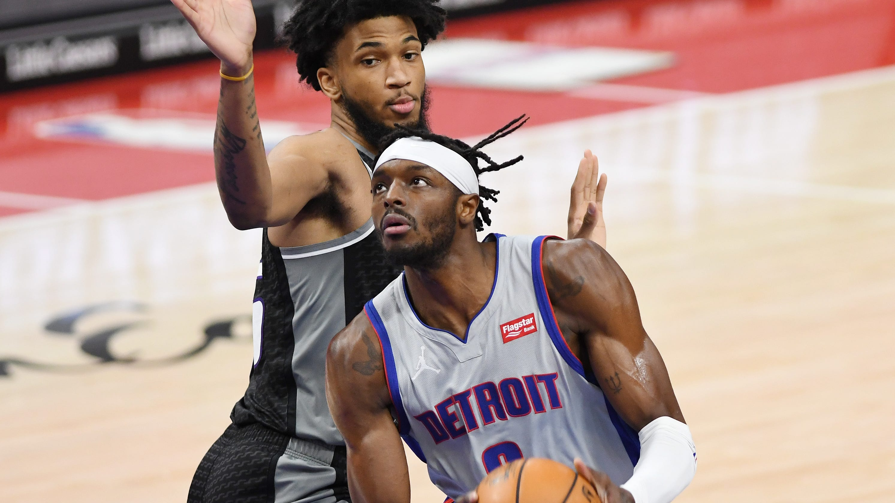 Dennis Smith's surge can't lift Pistons past Kings in 110-107 defeat
