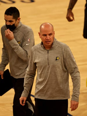 Feb 27, 2021; New York, New York, USA; Head coach Nate Bjorkgren of the Indiana Pacers is charged a technical foul after he ran on the court to argue a call in the second half against the New York Knicks at Madison Square Garden. Mandatory Credit:  POOL PHOTOS-USA TODAY Sports