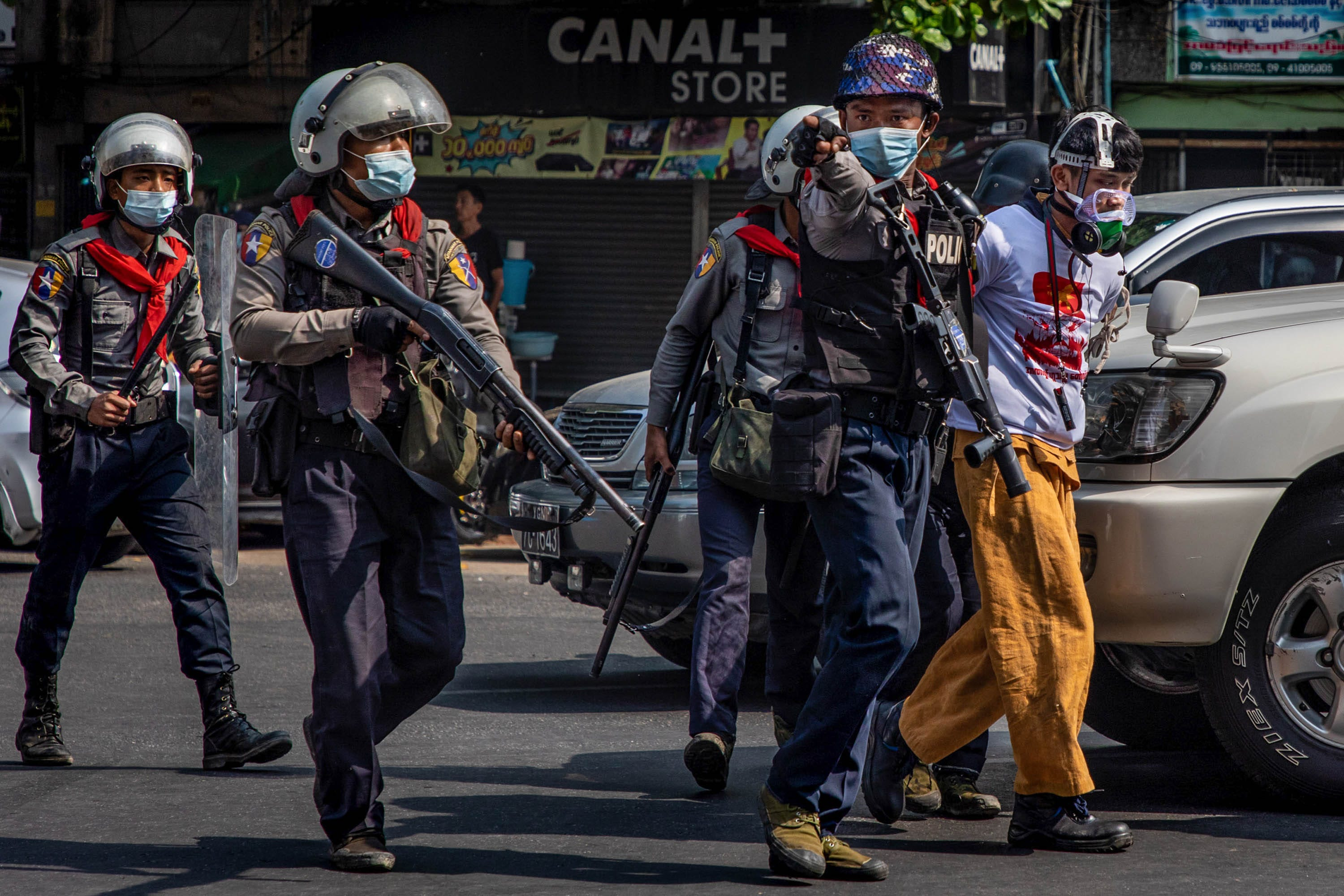 Deaths reported as Myanmar police crackdown on protesters after military coup