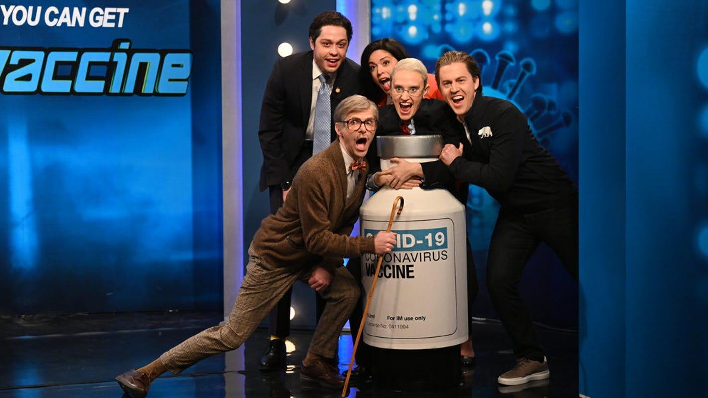 'SNL': Kate McKinnon's Dr. Fauci hosts game show where contestants vie for COVID-19 vaccine