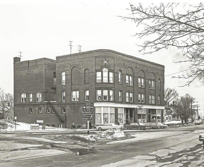 The Syndicate Block in Gardner circa 1968.