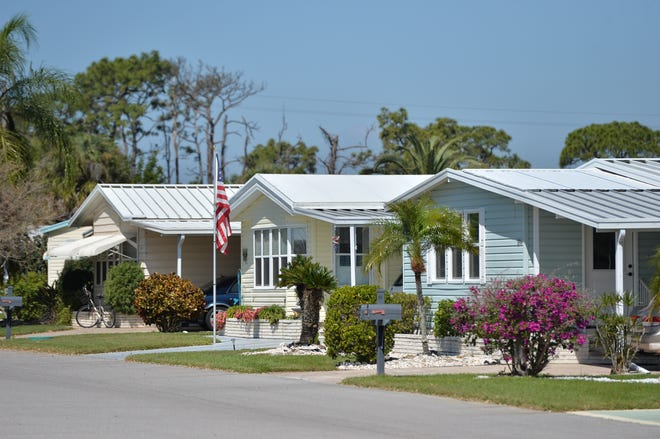 Homes along Avenue of Queens in King's Gate Club in Nokomis.