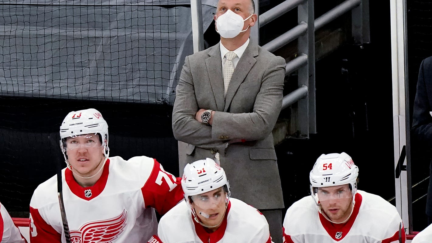 Steve Yzerman treating Jeff Blashill decision like his quest for Stanley Cup: Slow, steady