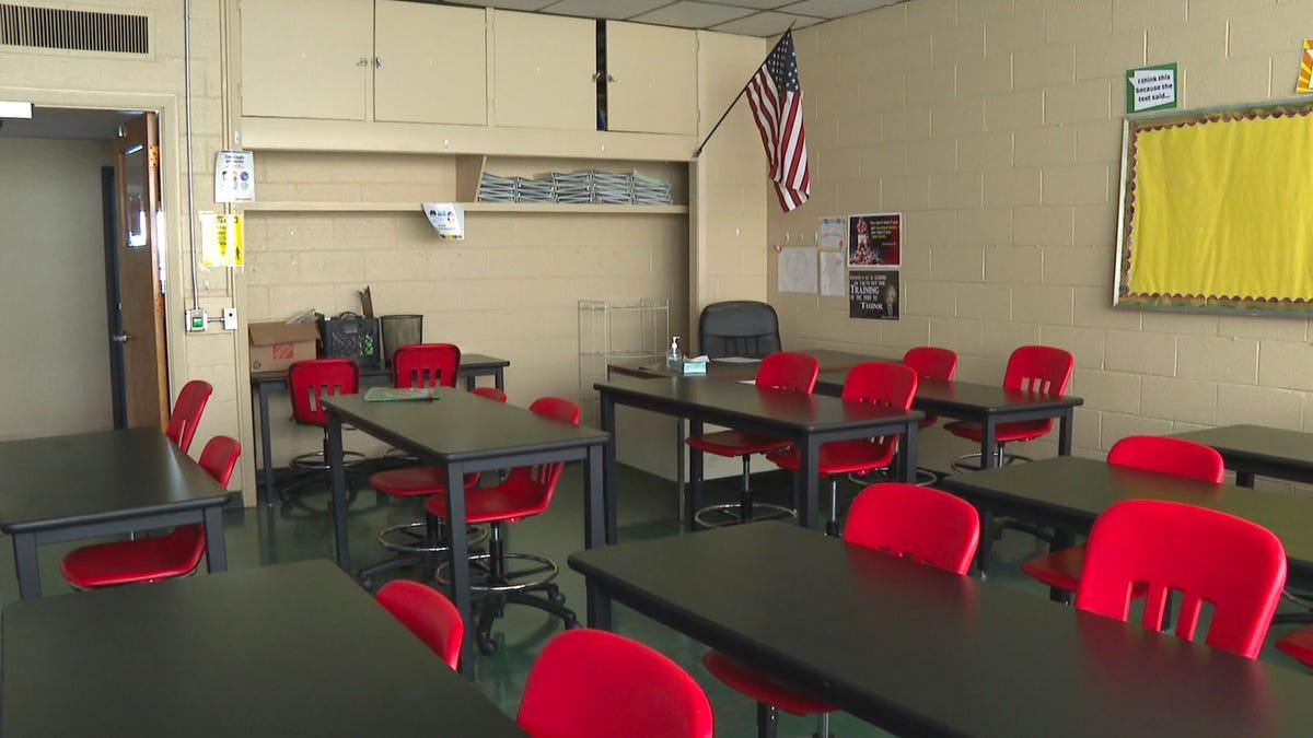 Gov't data show race, region disparities in school reopening 3