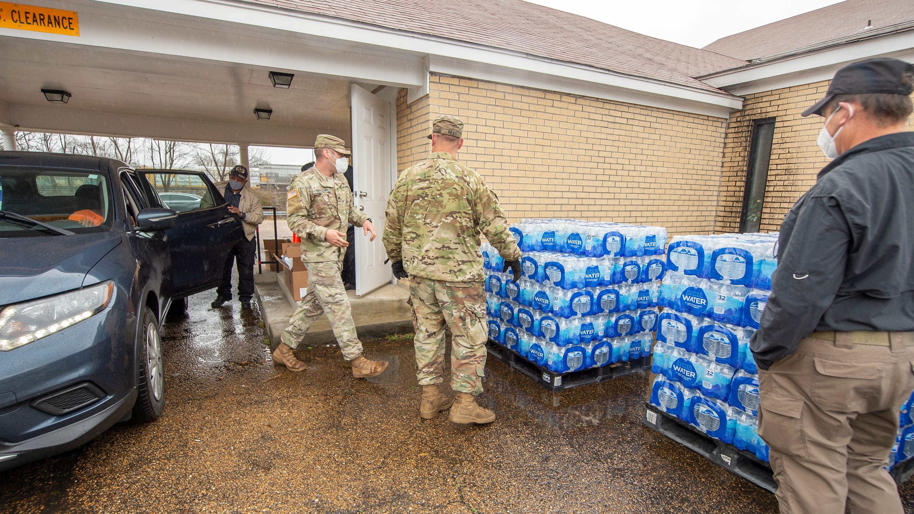Jackson pastor reaches out to city offering help during water crisis - Jackson Clarion Ledger