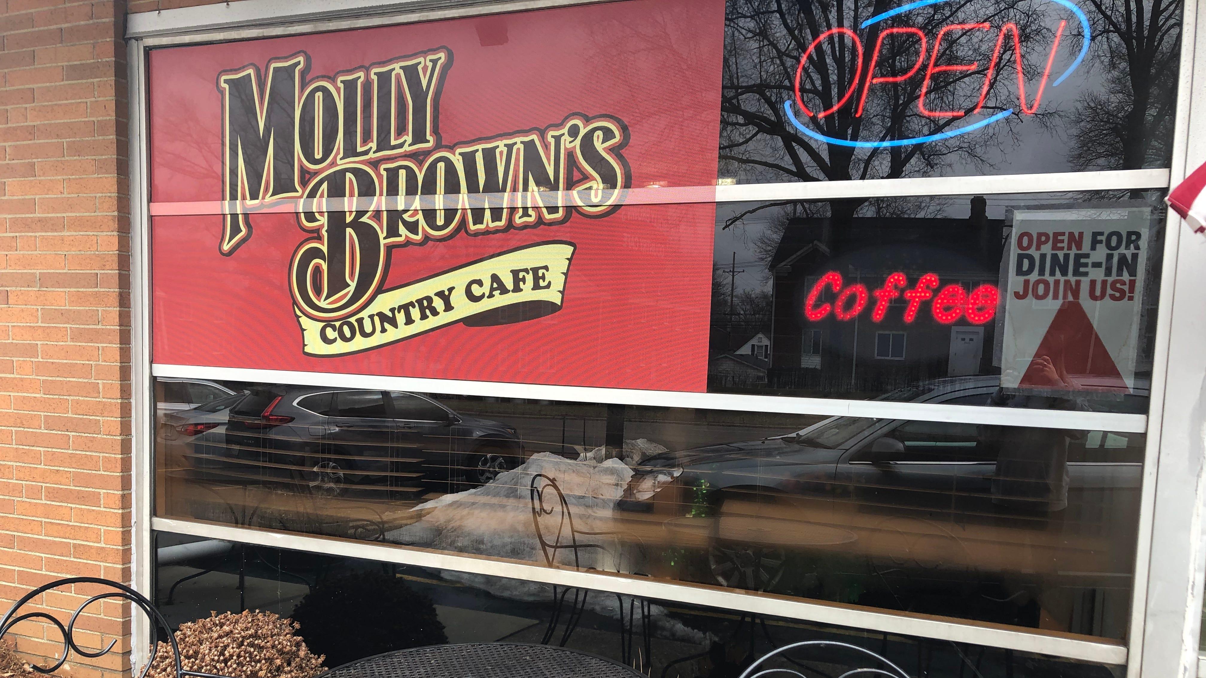 Molly Brown's está en State Road en Cuyahoga Falls.