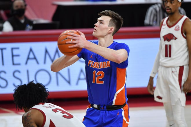 """Florida big man Colin Castleton entered his name in the NBA draft Sunday in hopes of """"receiving feedback that will help my dreams come true."""""""