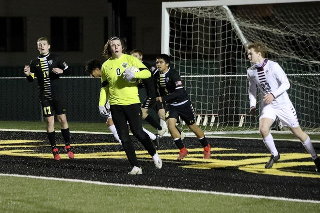 Denison keeper Kanyon Ives made a dozen saves as the Yellow Jackets defeated Sherman in 10-5A play at Munson Stadium.