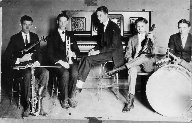 Looking back at an old Linn Creek band.