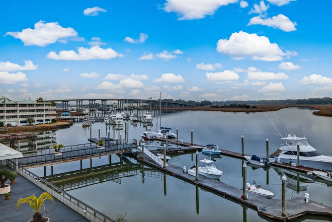 Thunderbolt is located along the Wilmington River and has approximately 30 short term vacation rentals.