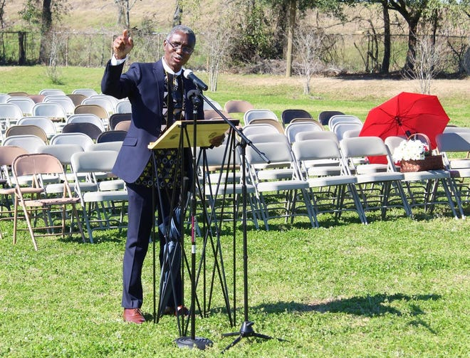 """Kwesi DeGraft-Hanson speaks during the 2020 """"Weeping Time"""" commemoration ceremony."""