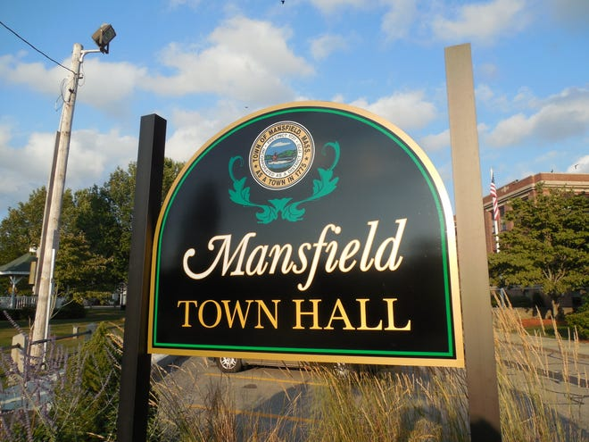 The Mansfield Board of Health voted its continued support for town fluoridation to prevent dental decay after a May 20 meeting during which members heard comments from state and local dentists and pediatricians, Water Division Operations Manager Kurt Gaffney, the public, and the proponent of a citizens' petition seeking to end the program.