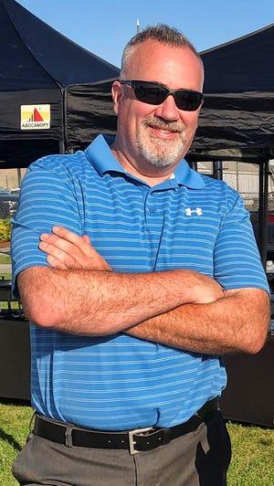 Bob Heffernan, deputy general field manager at Cummings Properties, at the firm's 2019 Field Day.