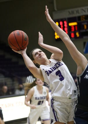 Elena Rauhe (3) of Mount Union scored 10 points in the Purple Raiders' loss to Baldwin Wallace on Thursday night.