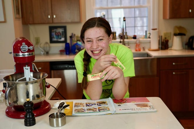 Gabrielle Selig of Durham has been named one ofNew Hampshire'stop youth volunteers of 2021 by The Prudential Spirit of Community Awards, America's largest youth recognition program based exclusively on volunteer service.