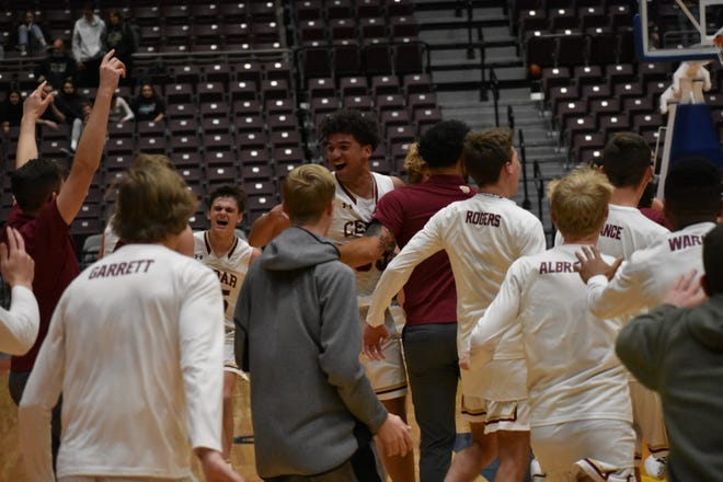 Cedar celebrates after beating Ridgeline to advance to the 4A title game.