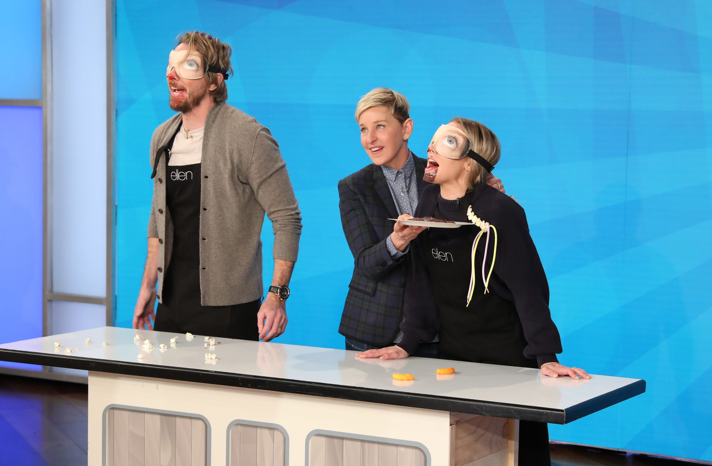 Celebrity couple Kristen Bell and Dax Shepard to host new game show  Family Game Fight