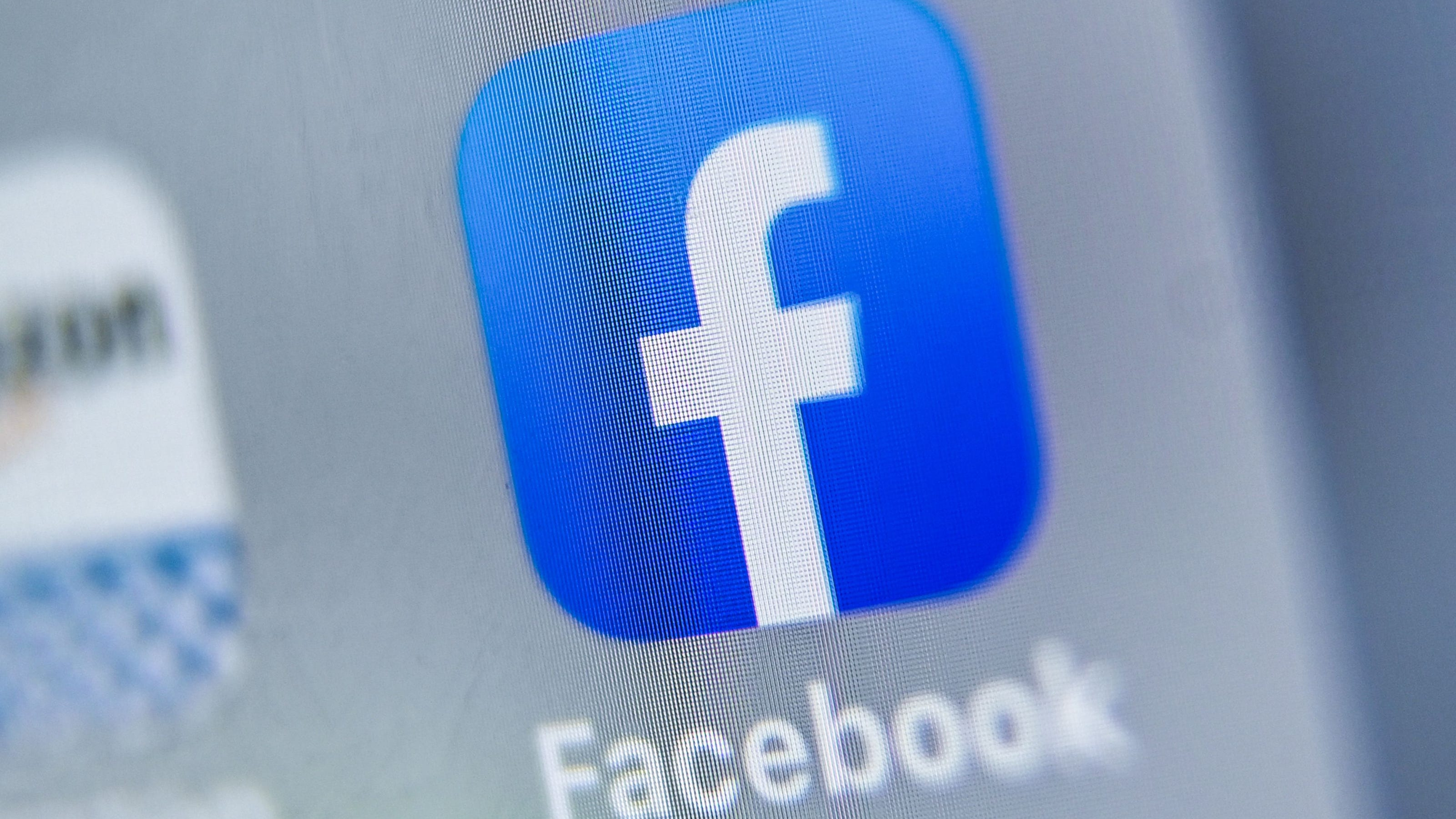 Facebook Extreme Far Right Politics And Lies Are Popular Study Says