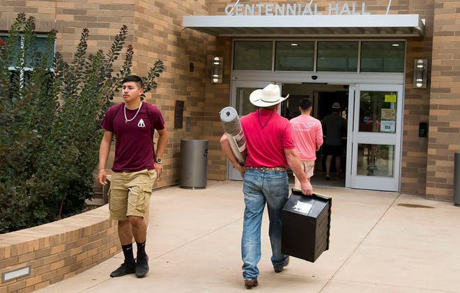 Beginning in the fall, all full-time WT students who are younger than 20 years old by the first class day will be required to live in university housing during their first two years following high school graduation.