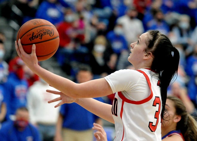Hiland's Kelsey Swihart drives to the hoop.