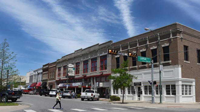 The city of Sherman is considering an ordinance that would require owners of dilapidated, vacant downtown buildings to register them with the city each year.