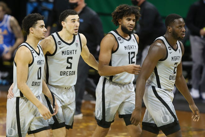 From left, Oregon's Will Richardson, Chris Duarte, LJ Figueroa and Eugene Omoruyi lead Oregon against VCU on Saturday in the NCAA Tournament in Indianapolis.