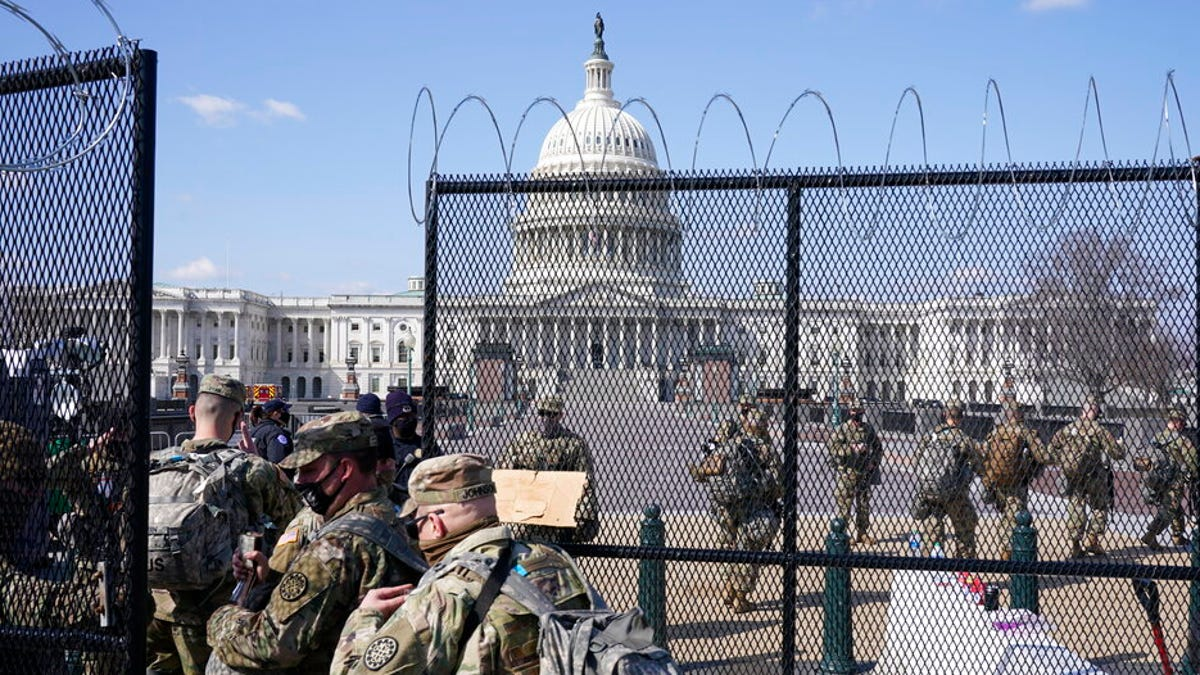 More than 1,000 Guard troops now leaving DC; others stay on 3