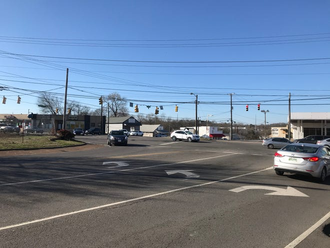 A realignment project at Walton Ferry and Old Shackle Island roads where they enter West Main Street has started right-of-way acquisition by the Tennessee Department of Transportation.