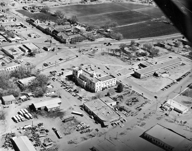 The Loretto Academy, upper left, and some recognizable downtown Las Cruces buildings still standing. (02590420)