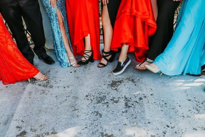 Promgoers compare footwear