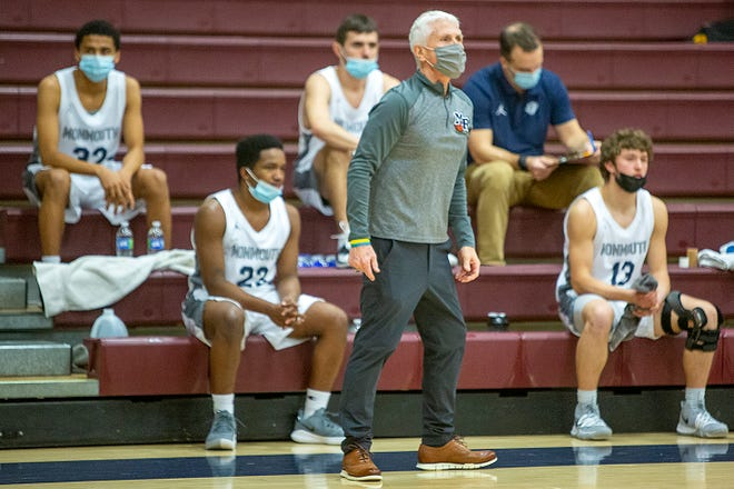 Monmouth-Roseville High School boys basketball coach Chuck Grant will step down after the season.