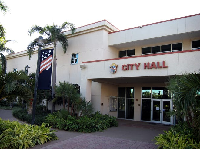 010212 (Richard Graulich/The Palm Beach Post)  - Palm Beach Gardens City Hall off of Military Trail.