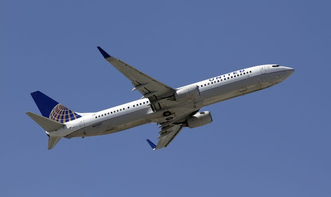 United Airlines is extending its service between Denver and Sarasota-Bradenton.