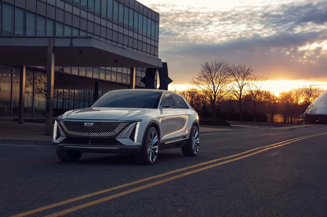 Cadillac LYRIQ pairs next-generation battery technology with a bold design statement which introduces a new face, proportion and presence for the brand's new generation of EVs.