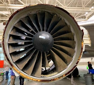 Foto yang disediakan oleh The National Transportation Safety Board ini menunjukkan kerusakan mesin United Airlines Flight 328.
