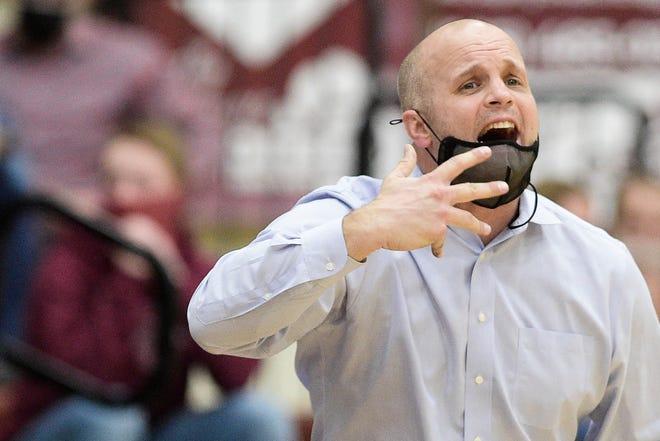 Oak Ridge Head Coach Aaron Green calls during a Region 2-AAA boys championship game between Oak Ridge and Bearden in Oak Ridge, Tenn. on Thursday, March 4, 2021.
