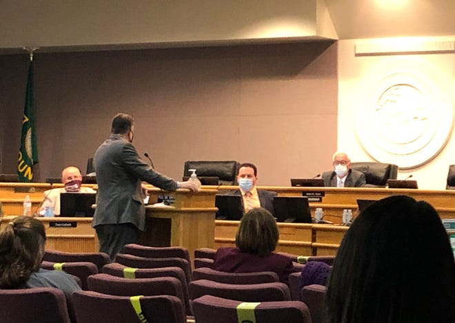 Superintendent Eric Bond addresses the Augusta County School Board Thursday, recommending students return to in-person instruction four days a week.