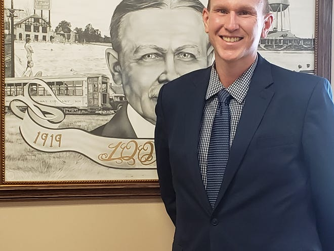 Andrew Dwyer was named the Kewanee Park District's new director at a special board meeting Saturday, replacing retiring Director Brian Johnson at the end of the month. Dwyer, 36, is a lifelong Kewanee resident with a background in mass transit. His tentative start date for Dwyer is March 22.