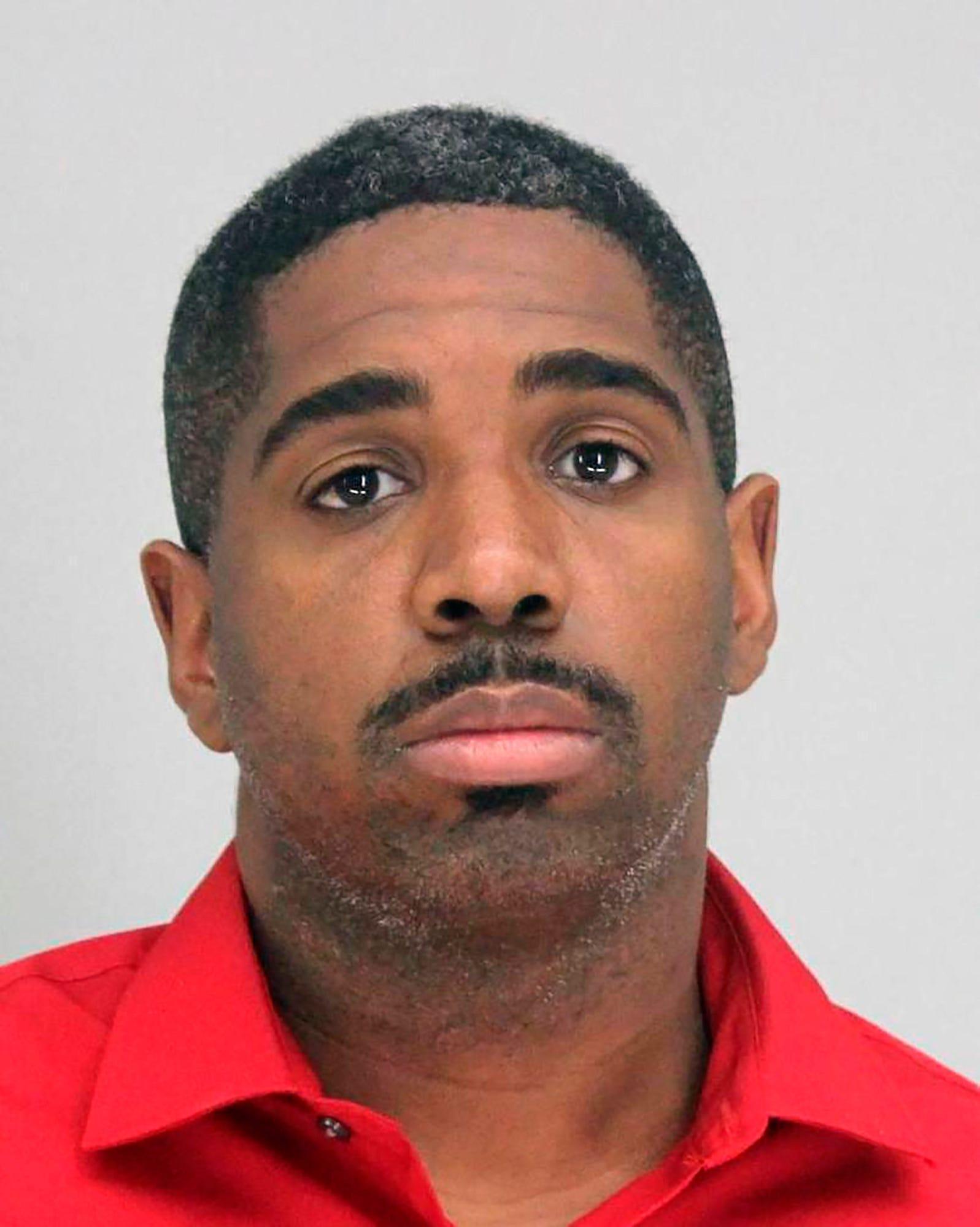 FBI denies asking Dallas to keep suspect officer on job 2