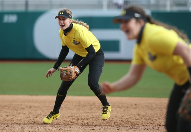 Oregon's Allee Bunker, left, and Shaye Bowden react during the game against Portland State at Jane Sanders in Eugene March 6, 2021.