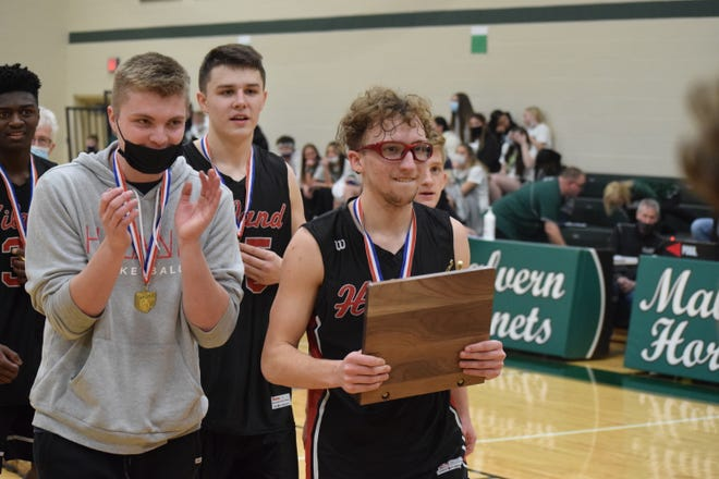 Despite suffering a season-ending knee injury before his senior year even started, Hunter Sommers has hung right with his teammates Will Schlabach and Ryan Miller through thick and thin this season.