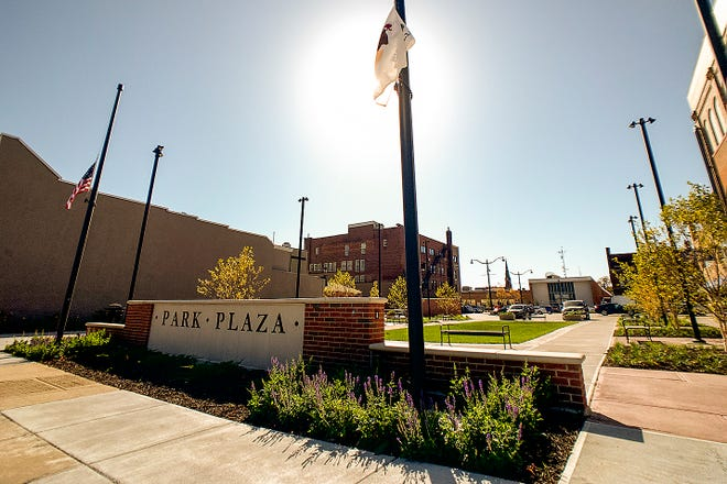 The City of Galesburg announced that work is complete on the reconstruction of Park Plaza on East Main Street.