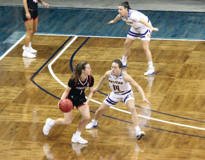 Elizabeth Lutz plays defense during Monday's Summit League semifinal game against Omaha.