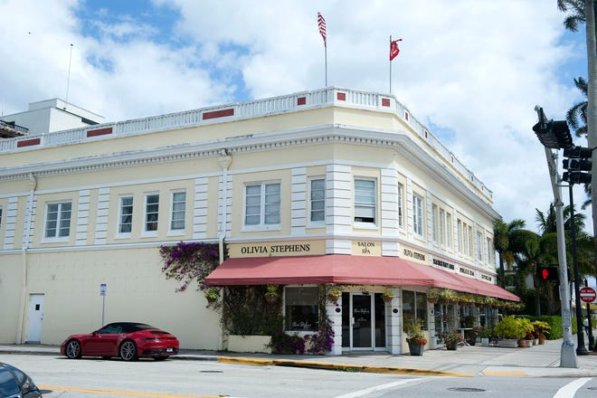 This landmarked Palm Beach building at 283 Royal Poinciana Way was just sold for a recorded $7.15 milion by a company controlled by members of the Coniglio family and John H. Surovek.