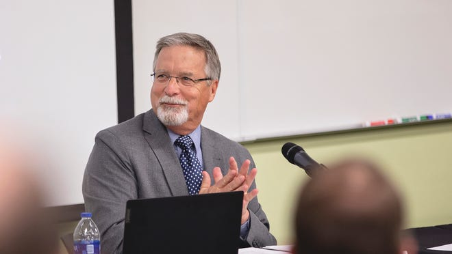 OBU Board of Trustees Chair Sam Garlow leads the trustee meeting on the OBU campus March 5.